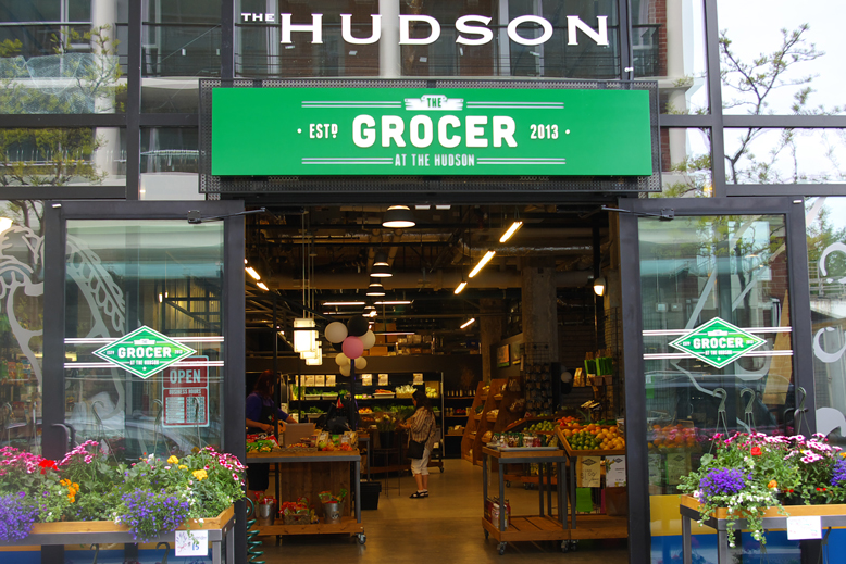 The-Grocer-at-the-Hudson-Market