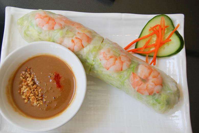 Pho Vuong Salad Roll