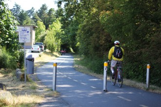 biking-along-the-goose