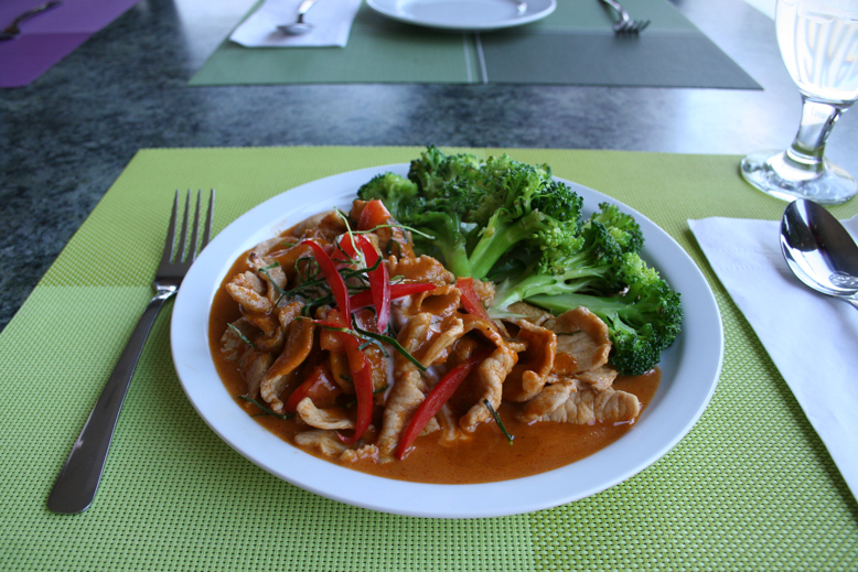 green elephant - red curry