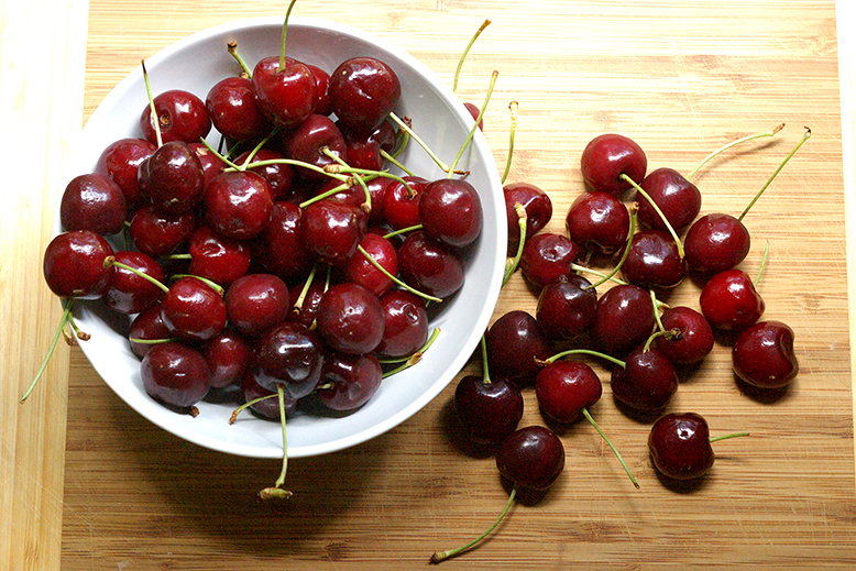 Cherries for clafoutis